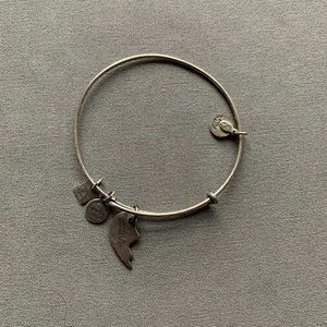 ❗ MUST GO, MAKE OFFER ❗ Alex & Ani Bracelet